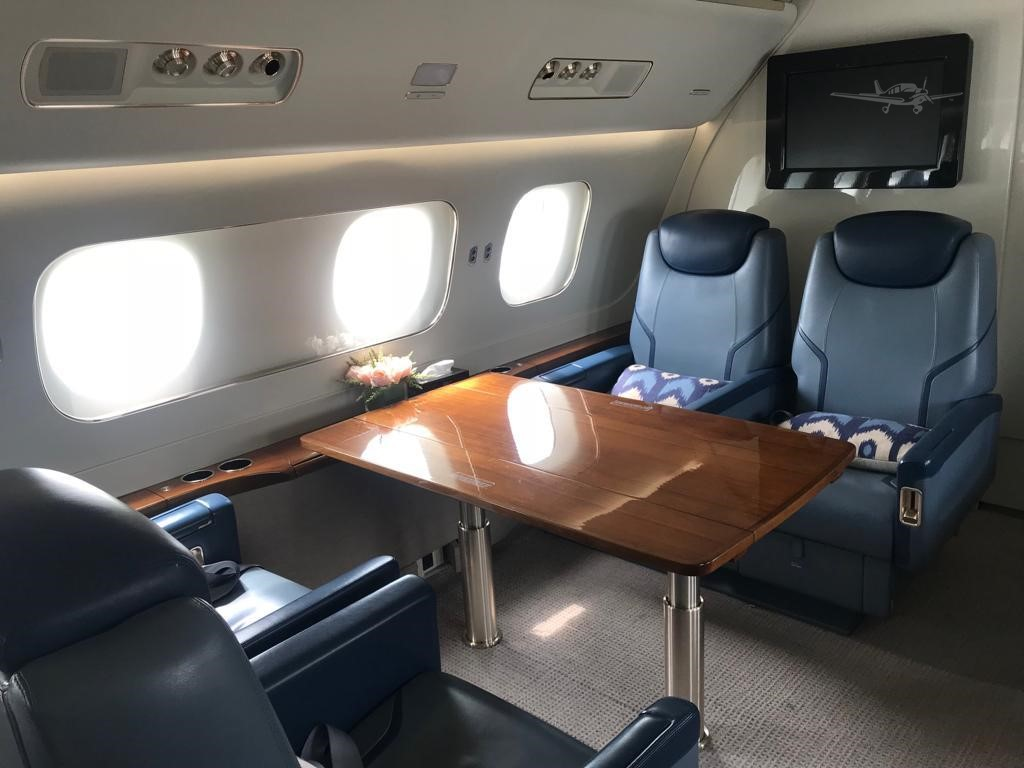 интерьер салона Embraer Lineage 1000