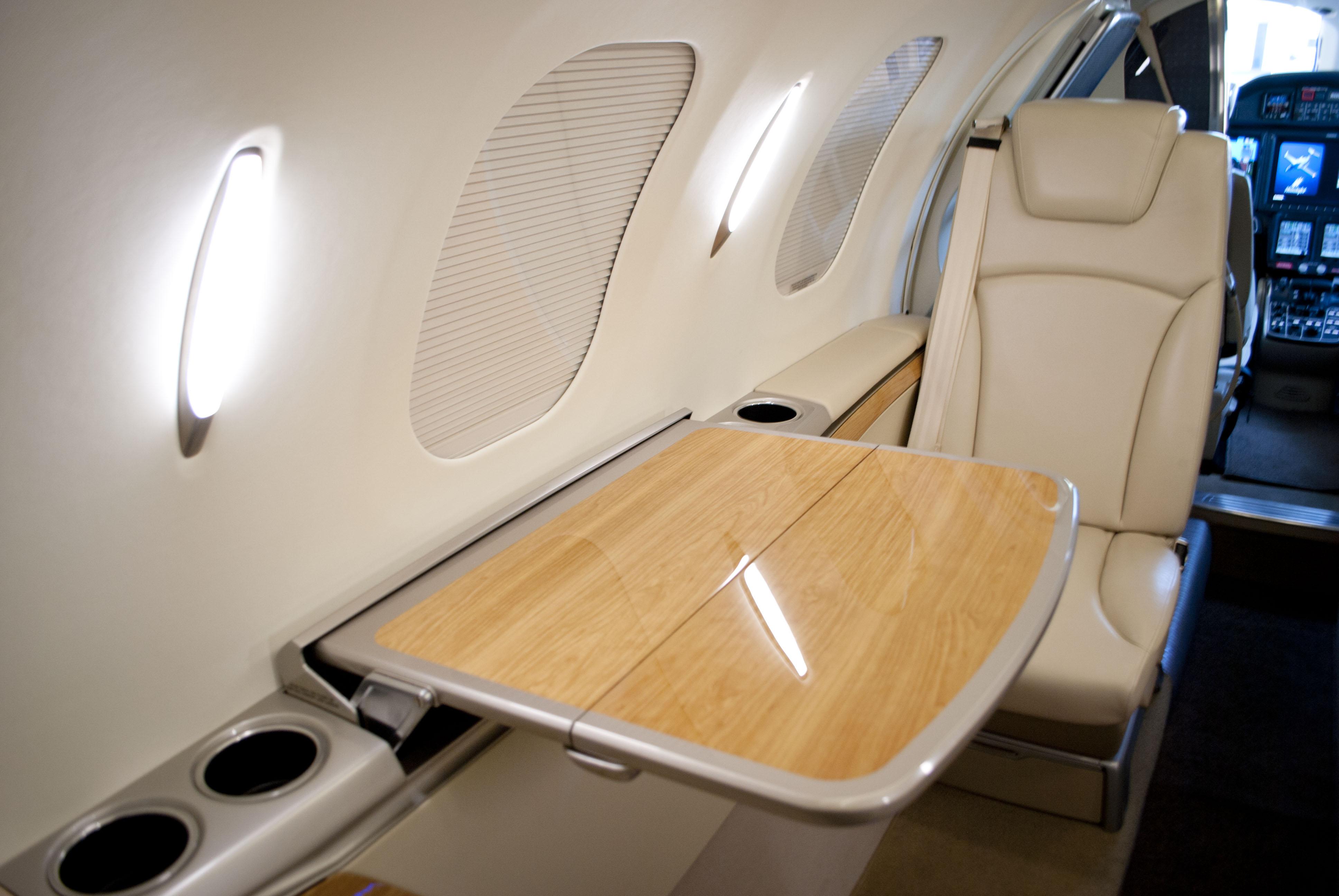 самолет HondaJet HA-420