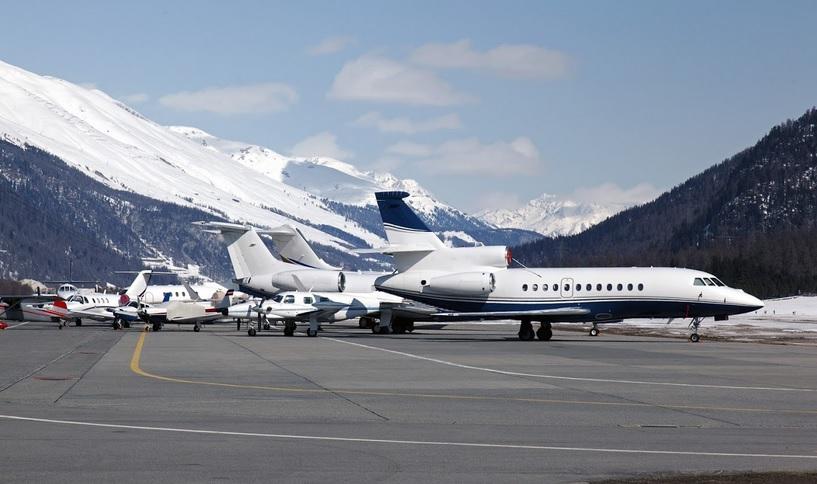 частный самолет в Шамони Мон-Блан