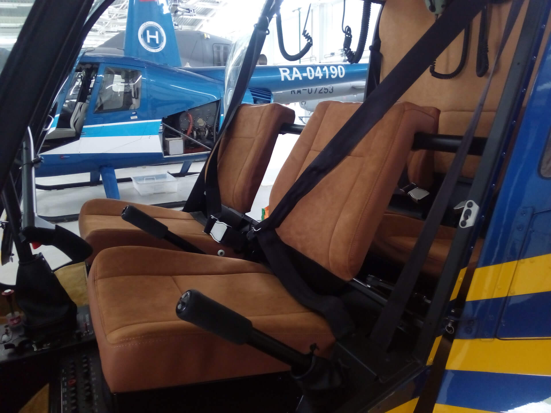 частный вертолет Robinson R44